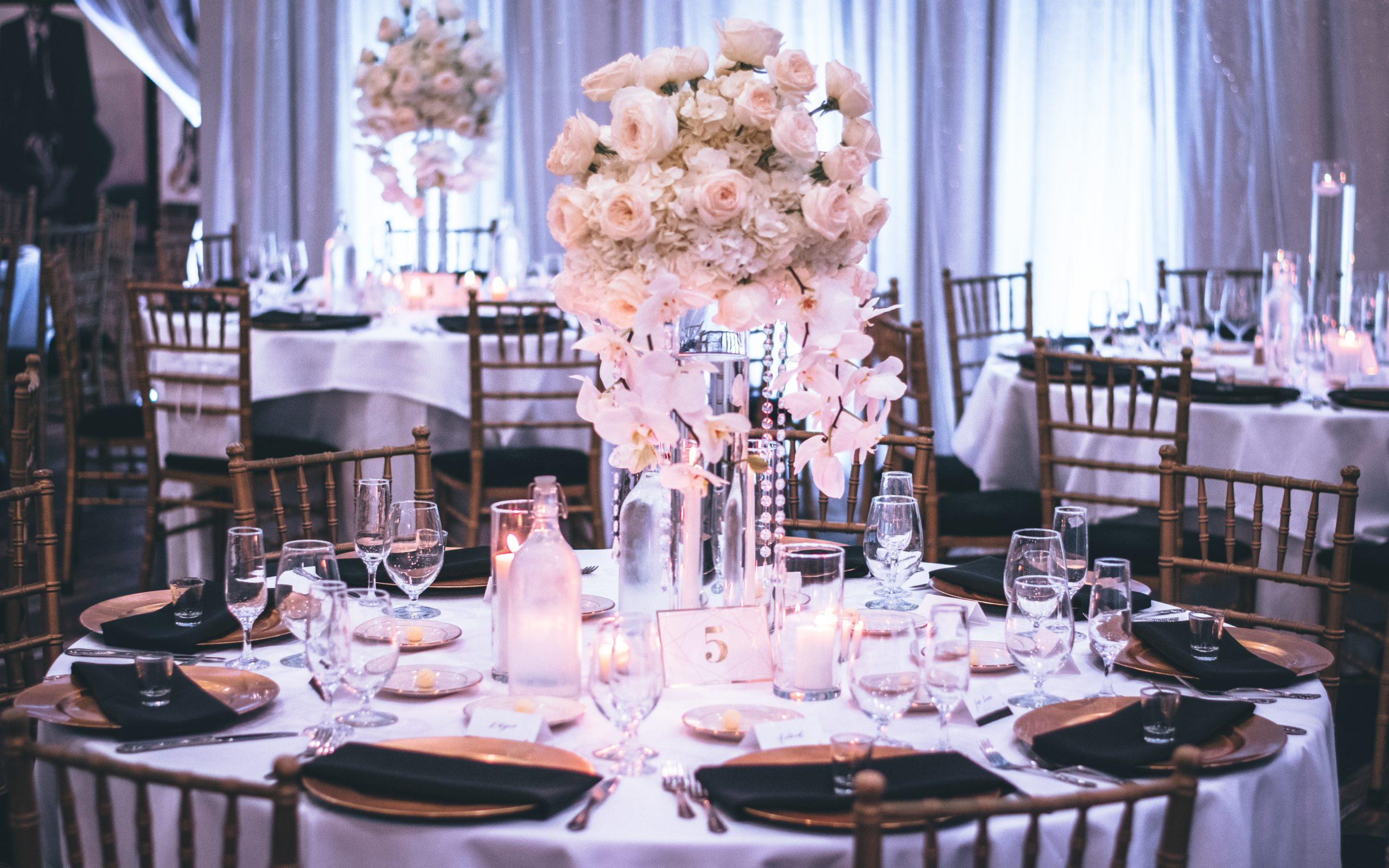 DIY Bridal Shower Decor: Glass Candles