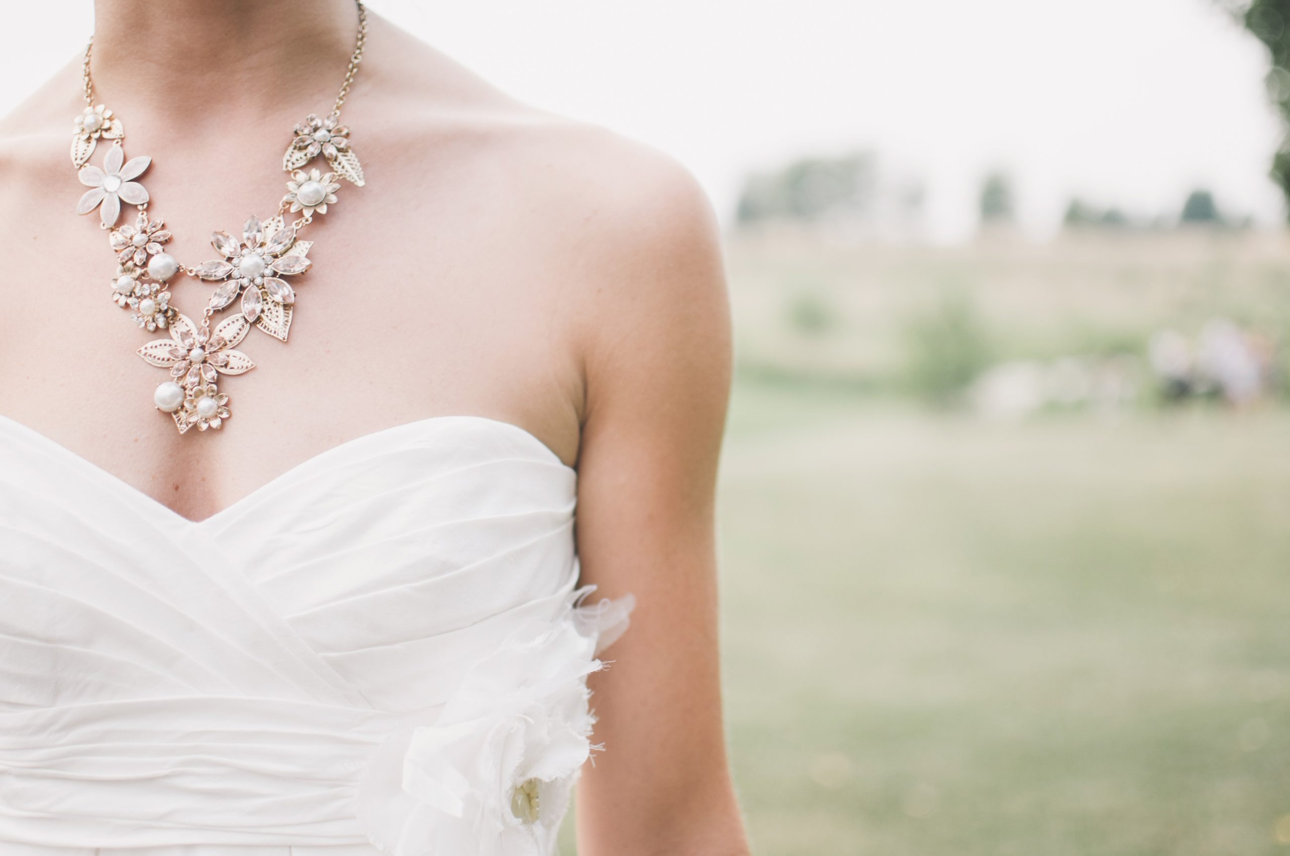 Top Rules For Accessorizing Your Wedding Dress